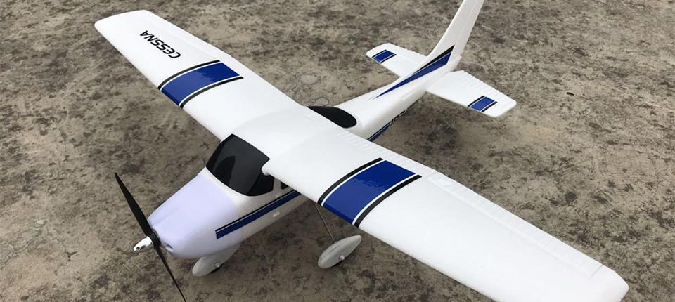 ESR-CESSNA-182-RC-Airplane