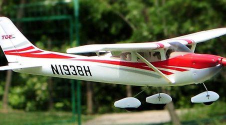 TOPRC Cessna 182 RC Airplane
